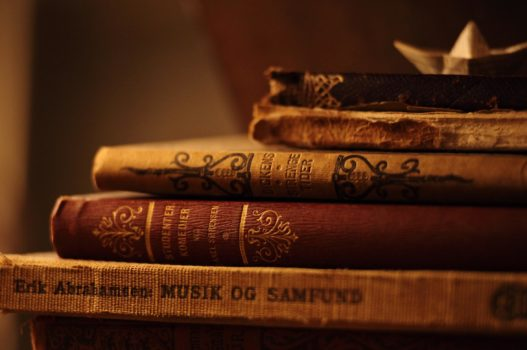 amazing-old-book-high-resolution-wallpaper-download-free-