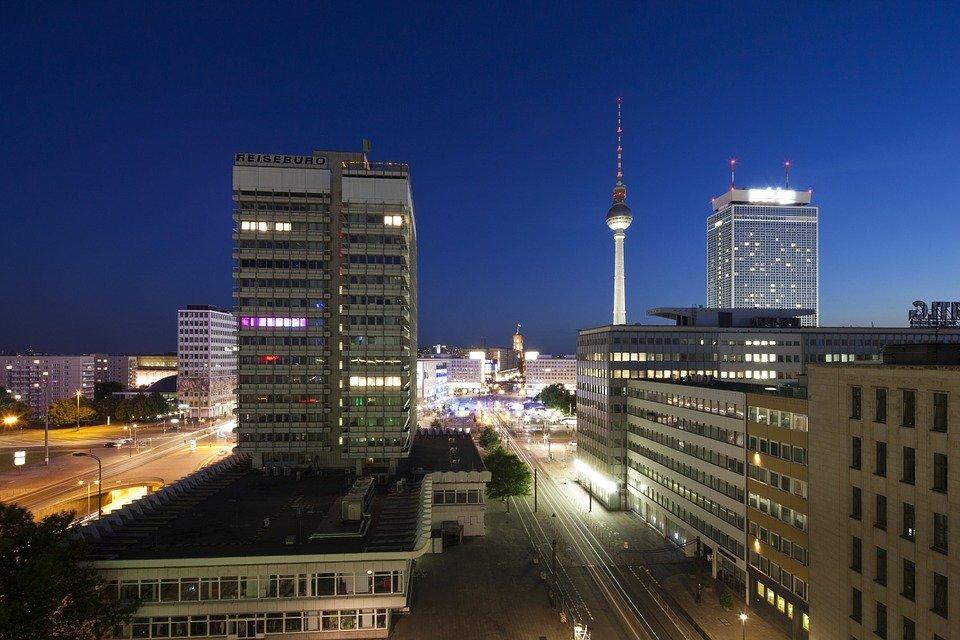 berlin-951616_960_720